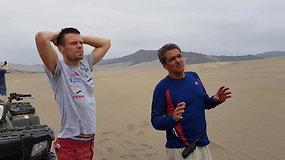 """Dakaro dienoraštis (2):  """"Toyota Gazoo Racing"""" autobusiuko gelbėjimo operacija dykumoje iš arti"""
