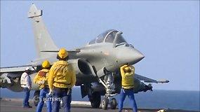 """Prancūzijos naikintuvai iš lėktuvnešio """"Charles de Gaulle"""" atakuoja ISIS"""