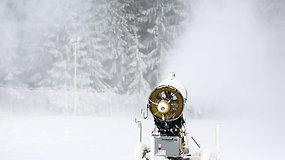 Ant Vilniaus Liepkalnio kalno sniego patrankos jau gamina sniegą