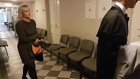 Už policijos pinigų vagystę teisiama buvusi pareigūnų buhalterė tikisi išteisinimo