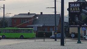 Kaune dėl šerkšno sutriko troleibusų eismas