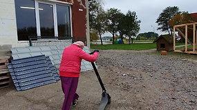 Senjorė Ina savo gyvenimo be paspirtuko neįsivaizduoja