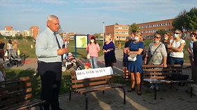 Nebepakenčia smarvės: klaipėdiečiai susirinko į taikų protestą