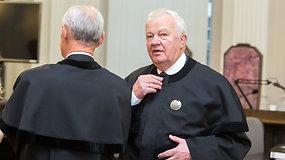 """Advokatas A.Matuiza apie kaltinimus ginamajam: """"Jis rankose skėčio neturėjo!"""""""