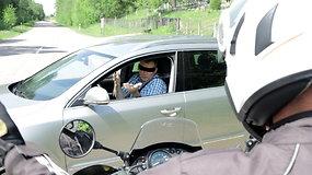 """Kodėl automobilių vairuotojai kartais būna """"akli""""?"""