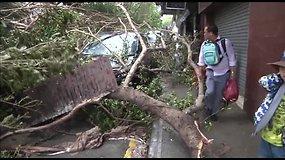 Makao mieste taifūnas Hato pasiglemžė mažiausiai devynių žmonių gyvybes