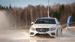 """E klasės """"Mercedes-Benz"""" – kupinas naujovių"""