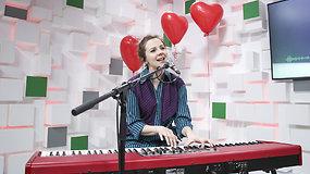 Koncertą 15min studijoje surengusi Ieva Narkutė – apie pirmąją meilę, dukrą ir esmines santykių taisykles
