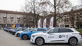 """Renkame """"Tautos automobilį 2020"""": elektromobilis be veidrodėlių """"Audi e-tron"""""""