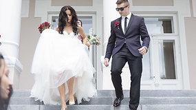 Irūna Puzaraitė ištekėjo už mylimojo kariškio Roko Čepononio