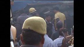Traukinio katastrofoje Indijoje – dešimtys žuvusiųjų
