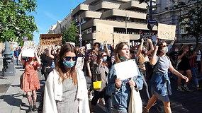 Eisena prieš rasizmą Vilniuje: dalyviai reikalavo teisingumo