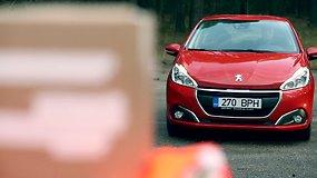 """Atnaujinto """"Peugeot 208"""" avarinio stabdymo sistemos """"city brake"""" bandymas"""