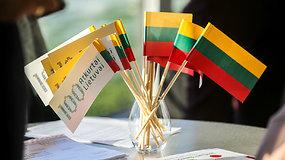 Prieš Vasario 16-ąją lietuviai aktyviau perka tautinę simboliką