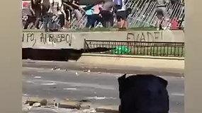 Čilėje Artūras Kudelko papuolė į riaušes