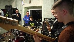 """Muzikos grupės """"Chebra"""" repeticija"""