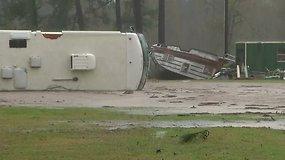 Teksaso valstijoje praūžė galingas tornadas