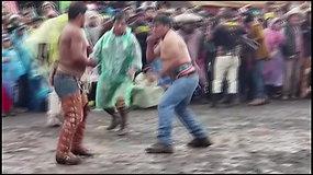 Tradicija Peru: santykius ir nesutarimus išsiaiškina muštynėse