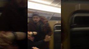 Miuncheno metro migrantai puolė moterį gynusius pensininkus
