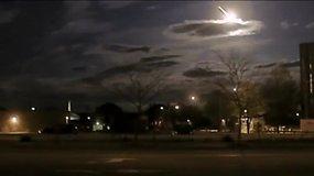 JAV policininkai nufilmavo krentantį meteoritą