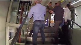 Vaizdo įraše – kariškiai įsiveržia į CNN Turkijos redakciją Stambule