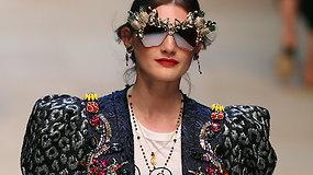 """Naujoje """"Dolce & Gabbana"""" kolekcijoje – vaisiais ir makaronais puoštos suknelės"""