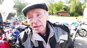 70 metų motociklininkas prisipažino, kodėl mėgsta didelį greitį