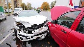 Masinė avarija Vilniuje – susidūrė 4 automobiliai