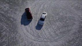 Šonaslydžio mėgėjai šėlo ant užšalusio ežero ledo