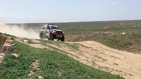 """Pirmą """"Rally Kazakhstan 2017"""" dieną Antanas Juknevičius važiavo atsargiai"""