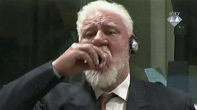 Išgirdęs tribunolo nuosprendį Bosnijos kroatas S.Praljakas išgėrė nuodų