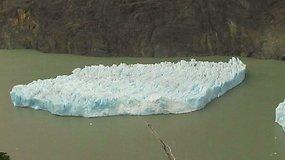 Čilėje nuo ledyno atskilo didžiulis ledkalnis
