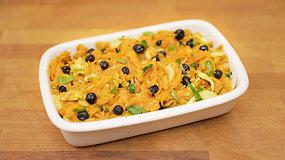 Silkė su saldžiomis bulvėmis ir džiovintomis mėlynėmis