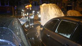 Trijų automobilių gaisras Panevėžyje