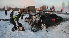 """Per avariją magistralėje """"Via Baltica"""" žuvo du žmonės"""