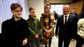 Šiauliuose apie anglų kalbą S.Skvernelio paklausęs jaunuolis išgirdo šimtus pamokslų