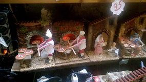 Neapolio kalėdinių prakartėlių pasaulis: kūdikėlis, D.Trumpas ir balistinė raketa