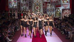 """Naujausioje savo kolekcijoje """"Dolce & Gabbana"""" modelius pavertė širdžių karalienėmis"""