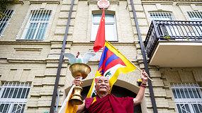 Tibeto parlamento tremtyje nario Tubteno Vangčeno pasisakymas prie Kinijos ambasados Vilniuje