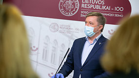 Seimo narių reakcijos į skandalingą sulaikymą: nustebę, teigė nesusitikinėję, rodo pirštus į opoziciją