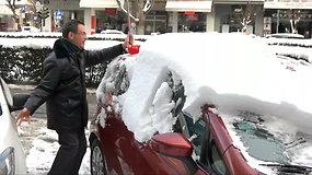 Graikiją užklupusi sniego audra pareikalavo 3 žmonių gyvybių