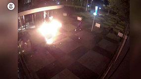 """Paviešintas išpuolio prieš Nyderlandų laikraštį """"De Telegraaf"""" vaizdo įrašas"""