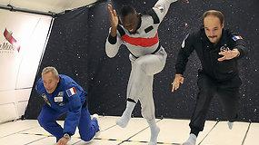 Nevarumo būsenoje bėgęs U.Boltas pristatė pirmąjį pasaulyje kosminį šampaną