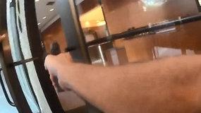 JAV policija pasidalijo dramatiško susišaudymo Sinsinačio banke vaizdo įrašu