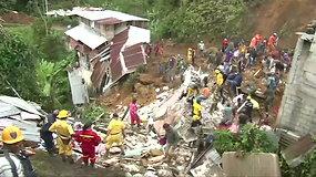 Vidurio Kolumbijoje nuošliauža pasiglemžė 12 gyvybių