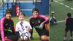 Neymaras išpildė be kojų gimusio berniuko svajonę – dešimtmetis nustebino savo įgūdžiais
