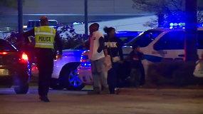Šaudynės per juodojo penktadienio išpardavimą: sužeisti žmonės, užpuolikas negyvas