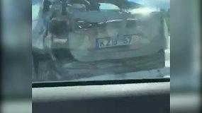 Sudaužytas taksi Vilniaus Oslo gatvėje