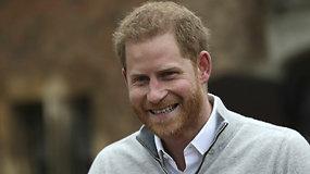 Per pirmajį savo kaip tėčio interviu princas Harry nesiliovė šypsotis: Meghan Markle ir kūdikis jaučiasi labai gerai