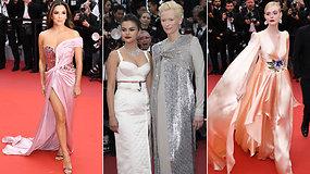 Iškilmingai atidarytas Kanų kino festivalis: raudonu kilimu žengė ryškiausios kino žvaigždės